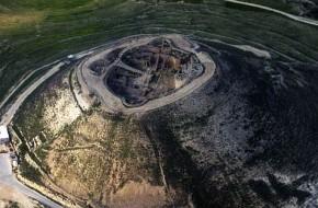 Archeologai skelbiasi suradę karaliaus Erodo sarkofagą