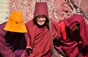 Didžiausias pasaulyje budizmo institutas Larung Gar
