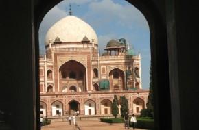 (Ne)turistinė Indija (1): Delyje karvėms – ne vieta