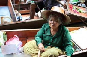 Bankokas: plaukiojantis turgus