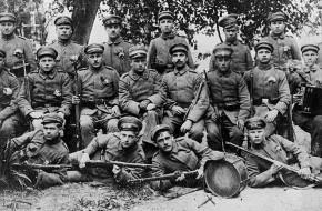 Lietuvos karių savanorių garbė negali išnykti iš atminties