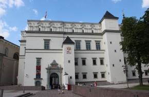 Valdovų rūmų muziejuje viešėjo Danijos princas Frederikas