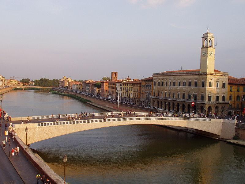 Lungarno,_Pisa_-_middle_bridge