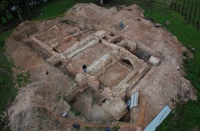 Archeologiniai tyrimai Radvilų tėvonijoje