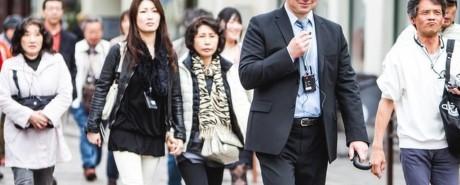 Japonų turistus šokiruoja prašantys išmaldos bei maudynės ežeruose